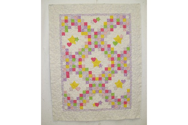 Baby quilt with butterflies b